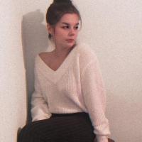 Evelīna B.